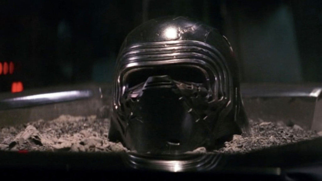 gallery-1459955114-kylo-ren-helmet-ashes