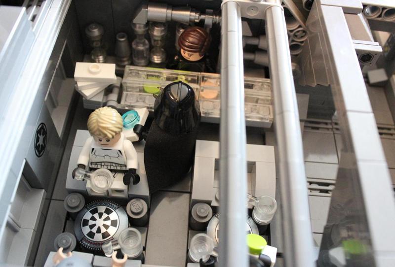 A kantin, ahol mindenki kedvére fogyaszthat. Darth Vader itt törzsvendég :)