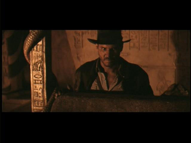 r2d2-c3p0-raiders-of-the-lost-ark_55003955-640x480